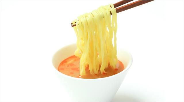 冷し酸辣つけ麺のつけダレの写真